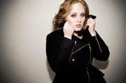 Adele komunicira vještačkim glasom