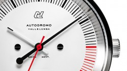 Sat inspirisan trkaćim automobilima