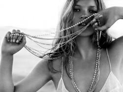 Šta obući za Novu: stil Kate Moss