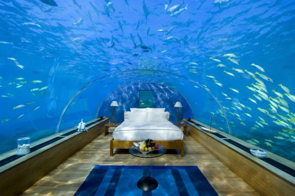 http://www.minimagazin.info/wp-content/uploads/2011/12/Underwater-1-575x382.jpg