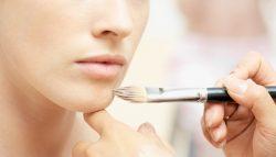 8 jednostavnih trikova šminkanja za besprijekornu kožu