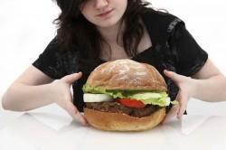 Volite jesti noću? Evo 9 savjeta za bezbolno odvikavanje