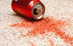 Očistite mrlje na tepihu bez skupih proizvoda