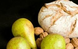 Italijanske delikatese: Bruskete sa gorgonzolom, orasima i kruškom