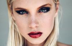 12 frizura i načina šminkanja koje muškarci ne vole