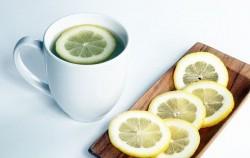 Topla voda i limun: 8 razloga da ovo uvrstite u redovnu ishranu