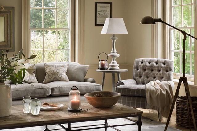 Mega galerija 60 ideja za ure enje dnevnog boravka for New england style living room ideas