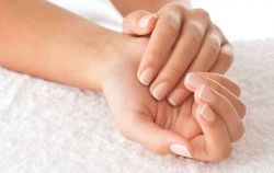 Kako se najlakše otarasiti žutih noktiju