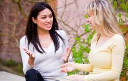 Psihologija: Kako razgovarati sa prijateljicom koja prolazi kroz teške trenutke
