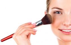 6 grešaka u šminkanju zbog kojih izgledate umorno