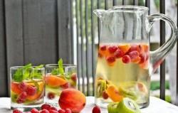 Top 12 napitaka za detoksikaciju koji vam mogu pomoći da smršate ovog ljeta
