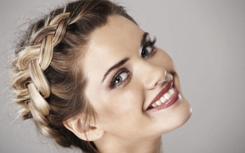 10 Najpopularnijih Frizura Sa Pletenicama I Kako Da Ih