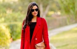 Crvena boja za jesen punu stila