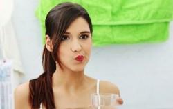 Mućkanje ulja u ustima: Zašto i kako?