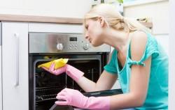 Kako da očistite rernu na potpuno prirodan, ali i najbrži i najefikasniji način
