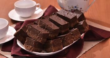 poslastica-za-5_kolac-s-jabukama-i-cokoladom